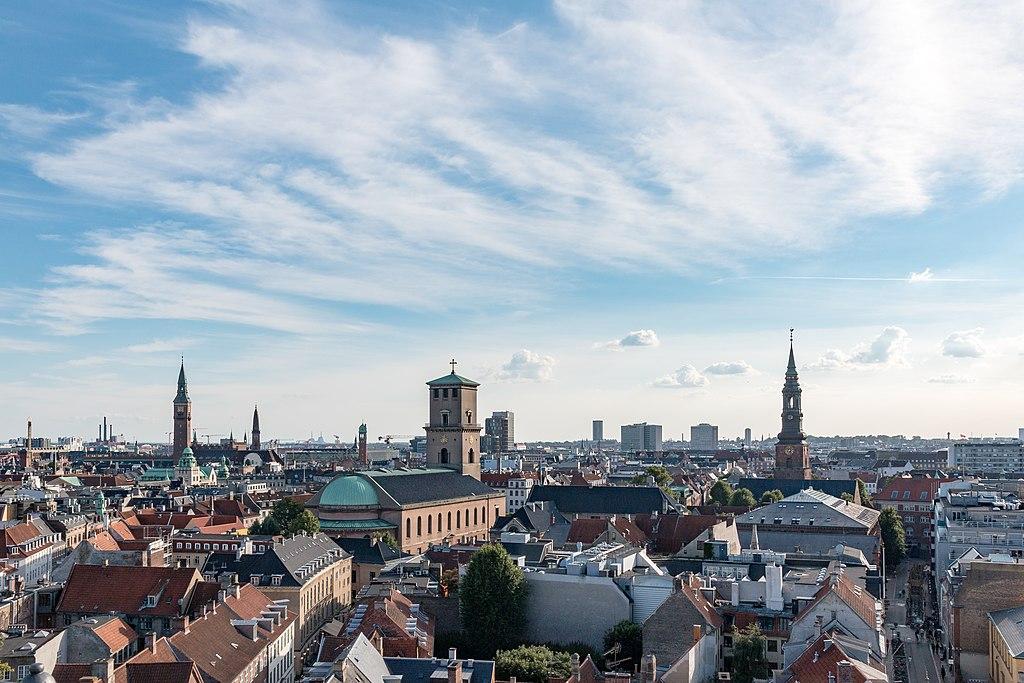 """Vue panoramique depuis la Tour Ronde de Copenhague - Photo de Dietmar Rabich / Wikimedia Commons / """"Kopenhagen (DK), Blick vom Runden Turm -- 2017 -- 1619"""" / CC BY-SA 4.0"""
