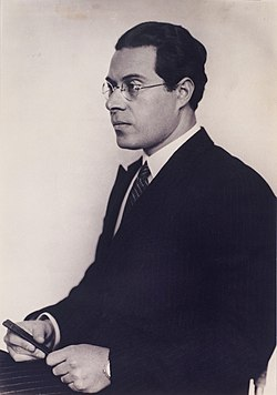 László Moholy-Nagy by Hugo Erfurth, c. 1930 .jpg