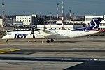 LOT, OY-YBZ, Bombardier Dash 8 Q400 (40664429493).jpg