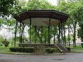 La Fère (Aisne) kiosque à musique.JPG