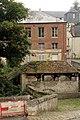 Laon, house 10 Rue de l'Arquebuse and washhouse.JPG