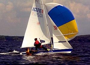 Laser 2 - Image: Laser II under spinnaker