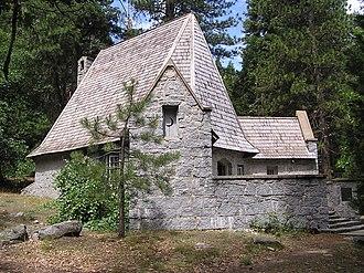 LeConte Memorial Lodge - Exterior of the LeConte Memorial Lodge