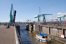 Leaving the lock on the Cardiff Bay barrage - geograph.org.uk - 1314973.jpg