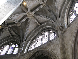 Lisbon Cathedral - Gothic vault of the ambulatory and clerestory windows.