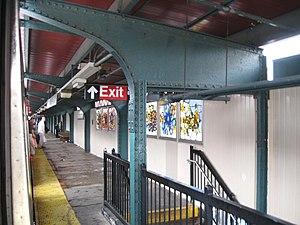 Lorimer Street (BMT Jamaica Line) - Northbound platform