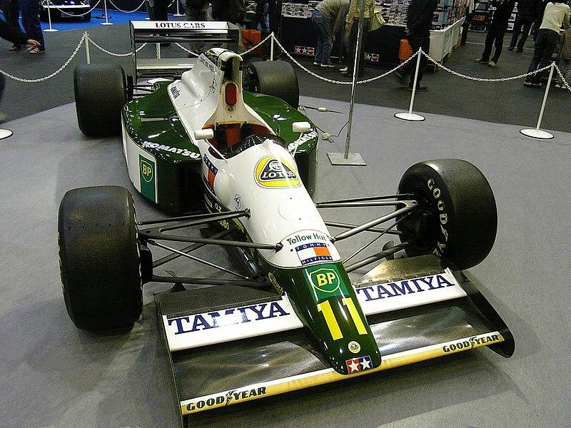 800px-Lotus_102B