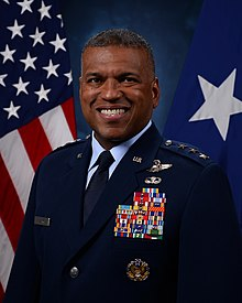Le lieutenant-général Richard M. Clark.jpg