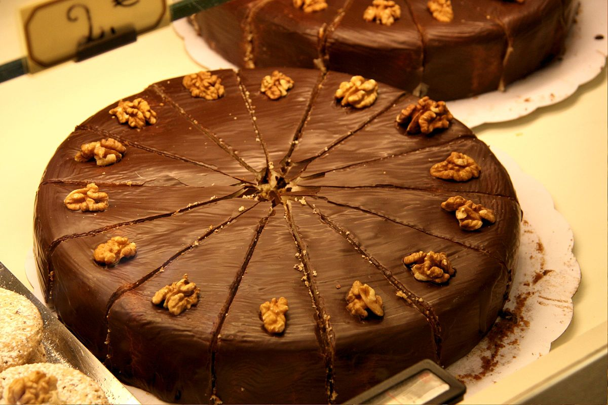 Chocolate Walnut Cake Cocoa Powder
