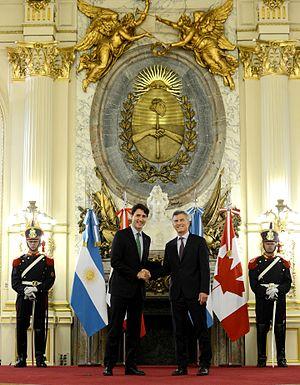 Argentina–Canada relations - Image: Macri Trudeau 1