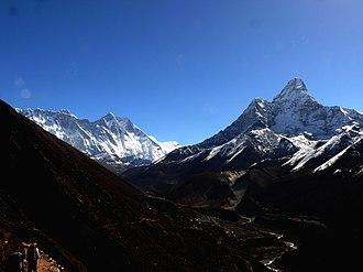 Ama Dablam - Image: Mahalangur Himal Nuptse, Everest, Lhotse, Lhotse shar, Peak 38, Ama Dablam