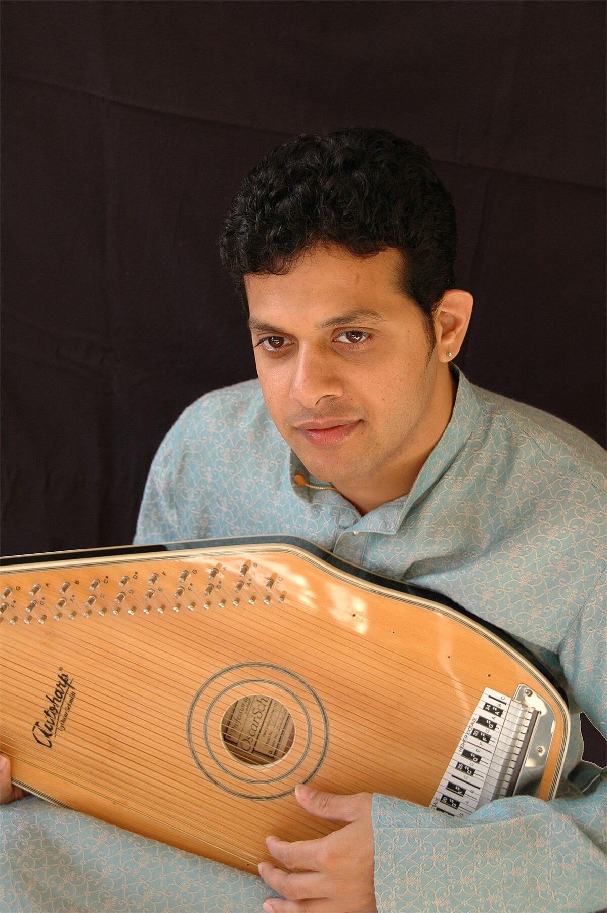 Kishore kumar super hit songs mobile app get it on your mobile.