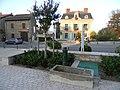 Mairie et fontaine Limonest.JPG
