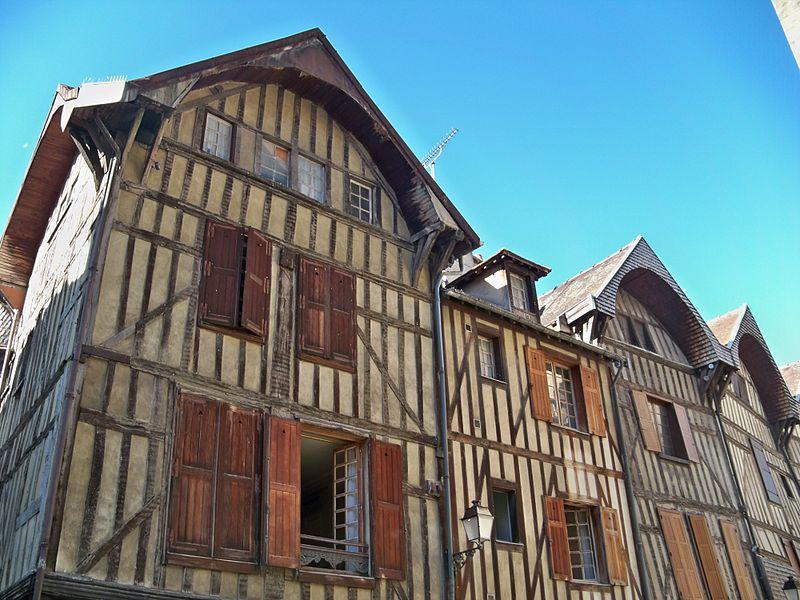 Maison situé au 8, rue Molé à Troyes. Les façades et toitures sont inscrits par arrêté du 8 septembre 1928