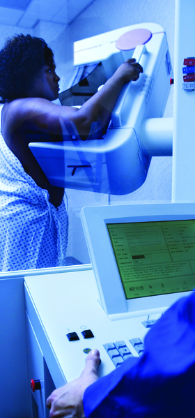 File:Mammogram being conducted.tiff