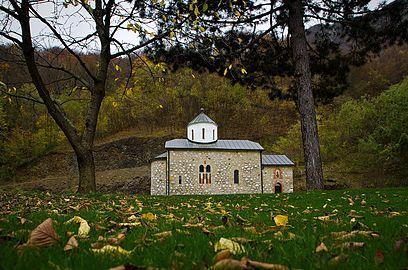 Manastir Vaznesenje, jesen 10.jpg