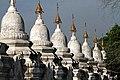 Mandalay-Kuthodaw-56-Stupas-gje.jpg