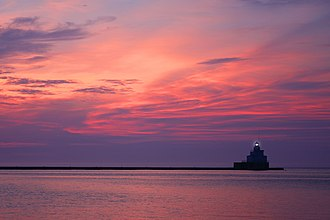 Manitowoc, Wisconsin - The lighthouse on Manitowoc's North pier