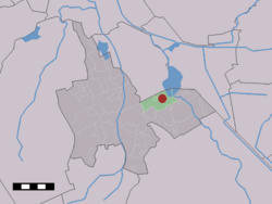 The village (dark red) and the statistical district (light green) of Midlaren in the municipality of Tynaarlo.