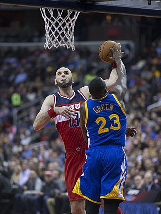 Draymond Green - Green defending Washington center Marcin Gortat
