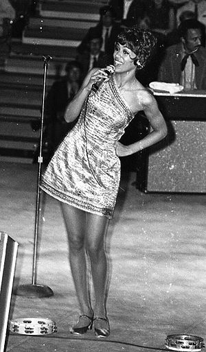 Marilyn McCoo - performing at Eastern Michigan University (1970)