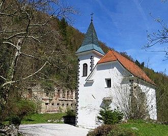 Medija Castle - Image: Medija Castle Slovenia chapel 2
