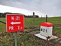 Mertzig, borne N21 et panneau.jpg