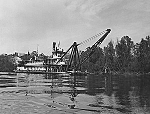 Snagboat - The snagboat ''Montgomery'' on the Apalachicola River during the early 1900s.