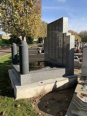 Monument Union Nationale Combattants Cimetière Ancien Montreuil Seine St Denis 5.jpg