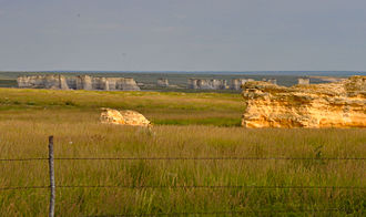 Monument Rocks (Kansas) - Image: Monument rocks view
