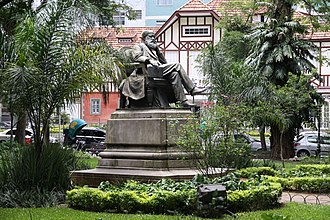 Petrópolis - Statue of Emperor Pedro II.