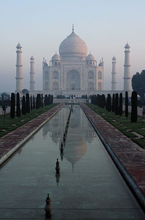 Morning view of the Taj Mahal, Agra, Uttar Pradesh, India.jpg