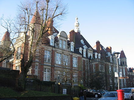 Mount Vernon, former hospital in Hampstead Mount Vernon - geograph.org.uk - 1133105.jpg