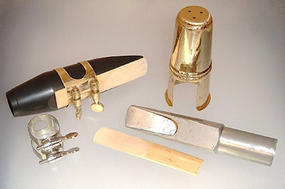 Tenor saxophone mouthpieces, ligatures, reed, and cap Mouthpiece tenor saxophone.jpg