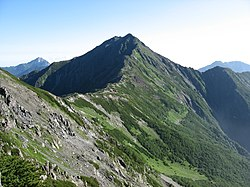 Mt.Kitadake from Mt.Ainodake 01.jpg