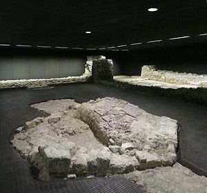 Judenplatz - Excavated remains of the synagoge, destroyed in the Geserah of 1421, located right underneath the Holocaust monument