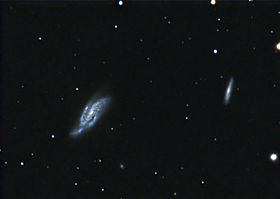 Le due galassie NGC 4088 (sinistra) e NGC 4085 (destra)