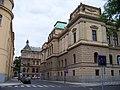 Na rejdišti, Rudolfinum, od Dvořákova nábřeží.jpg