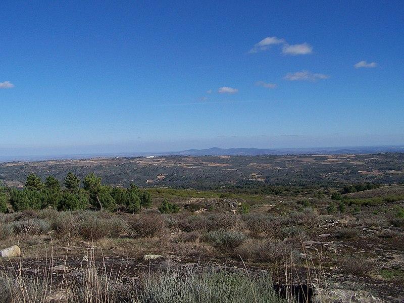 Image:Necropole Megalitica Lameira-de-Cima 8 (OUT-06).jpg