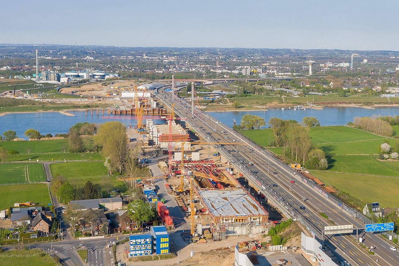 Neubau Leverkusener Rheinbrücke - Baustelle Luftaufnahme-0323.jpg