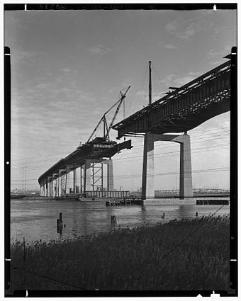 Hackensack Run bridge under construction in 1951 New Jersey Turnpike Construction 1951 LOC.jpg