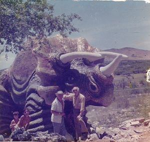Nicky Imber - Nicky Imber with one of his prehistoric animal sculptures
