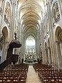 Noyon (60), cathédrale Notre-Dame, nef, vue vers l'est 6.jpg