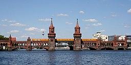 Oberbaumbrücke mit U Bahn