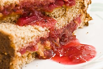 Peanut butter and jelly sandwich - Image: Oozing 3 365 (2752498522)