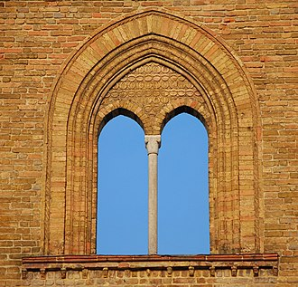 Mullion - A mullioned window in the church of San Francesco of Lodi, Lombardy