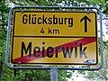 Ortsausgangsschild von Meierwik Richtung Glücksburg (Entfernung 4 km.jpg