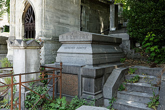Adolphe d'Ennery - D'Ennery's grave at Père Lachaise cemetery