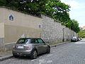 P1270023 Paris XVIII rue de la Bonne rwk.jpg