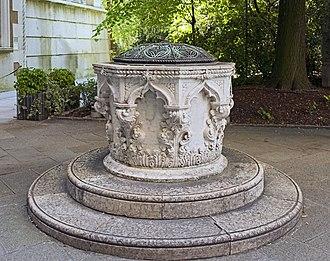 Palazzo Cavalli-Franchetti -  Palazzo Cavalli-Franchetti the well